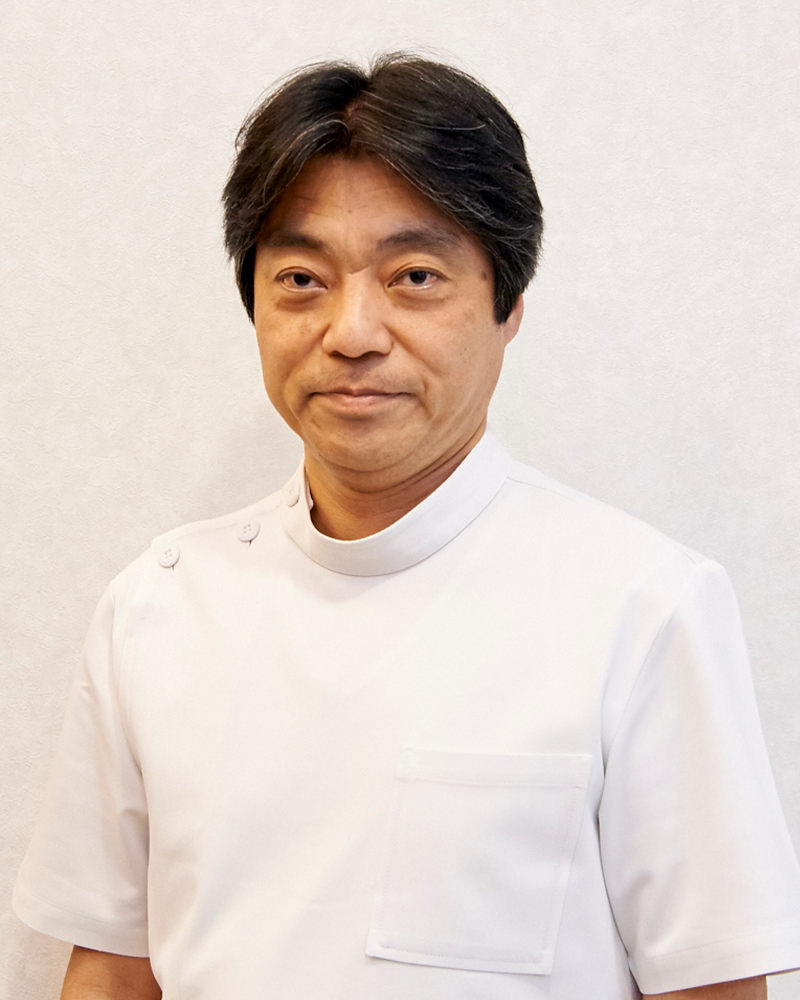 院長 岡本 章寛(おかもと あきひろ)